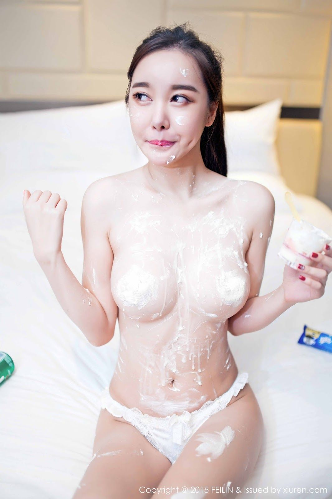 Sexy nude chines girls